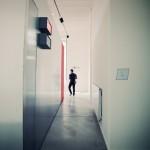 """""""LA CABINE"""", INSTALLATION DE DOCUMENTAIRE PARTICIPATIF IMAGINƒE PAR CHRISTINE BOUTEILLER AU SEIN DE L'EXPOSITION """"CONVERSATIONS ELECTRIQUES"""" A LA PANACƒE. STRUCTURE RƒALISƒE PAR STEPHANE LANDAIS. MONTPELLIER, 3 AOUT 2013."""